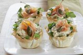 Recipe: Phyllo tartlets with artichoke cream and smoked salmon