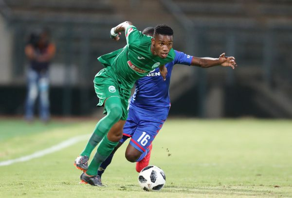 Ovidy Karuru of AmaZulu challenged by Aubrey Modiba of Supersport United during the Absa Premiership 2017/18 match between Supersport United and AmaZulu at Lucas Moripe Stadium, Atteridgeville South Africa on 31 January 2018 ©Muzi Ntombela/BackpagePix