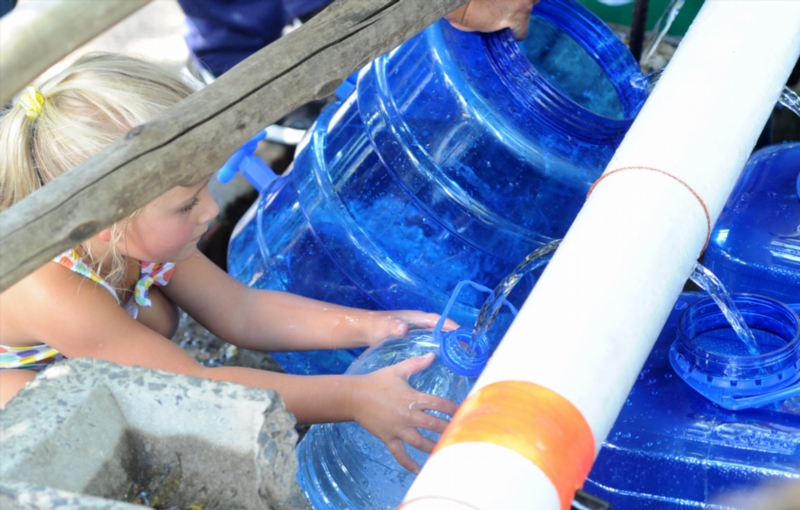 S. African police gird for Cape Town's deepening water crisis