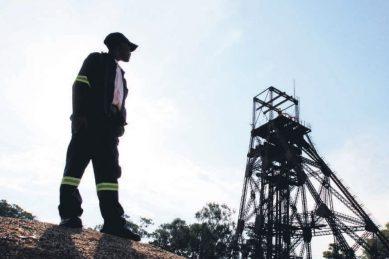 Amcu slams gold miners as 'hostile', declares dispute