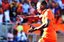 Pirates target reportedly frozen out at City
