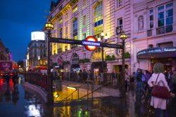 London tourists cheer a cheaper pound