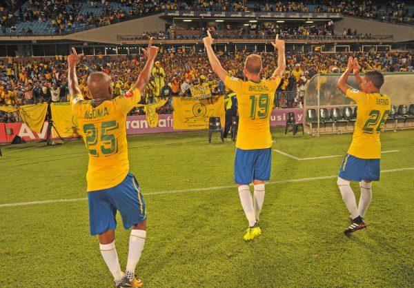 Aubrey Ngoma ,Jeremy Brockie and Leandro Sirino of Mamelodi Sundowns greeting the fans (Aubrey Kgakatsi/BackpagePix)