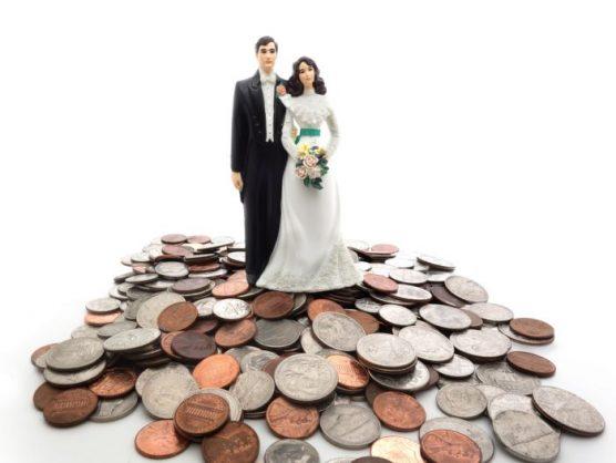 Do married men really earn more money?