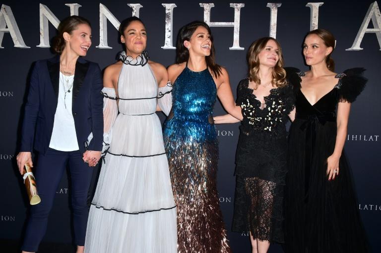 'Annihilation' star Jennifer Jason Leigh responds to whitewashing accusations