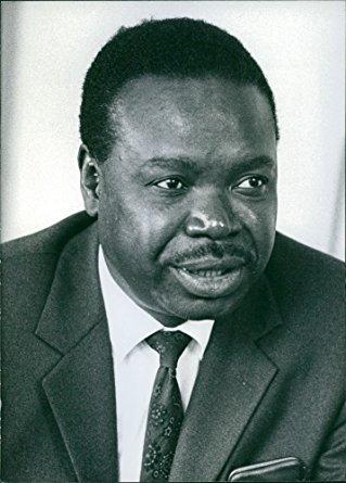 Ntsanwisi used his powerful voice to speak of racial cooperation. Photo: amazon.com