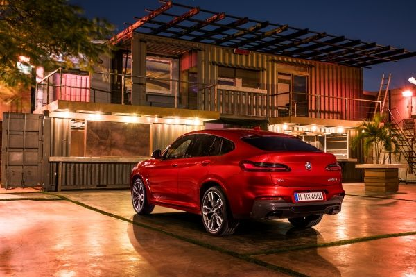 p90291919_lowres_the-new-bmw-x4-m40d