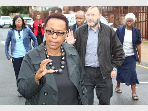 Dr Dorothy Sekhukhune taking Jack Bloom and other officials through the facilities. Photo: Alanicka Lotriet.