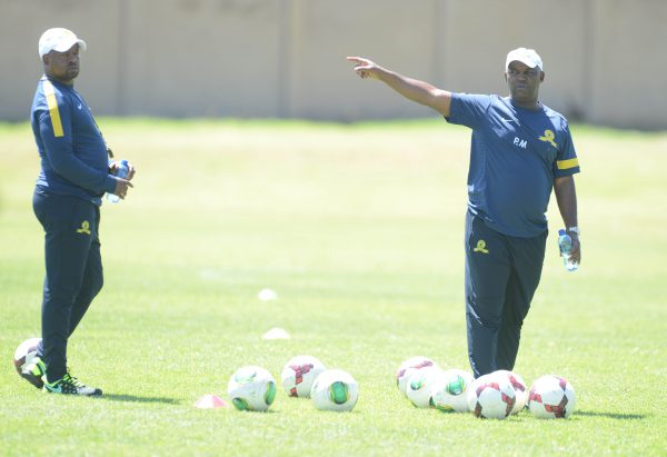 Pitso Mosimane and his asistant Manqoba Mngqithi during the Mamelodi Sundowns training (Photo by Lefty Shivambu/Gallo Images)