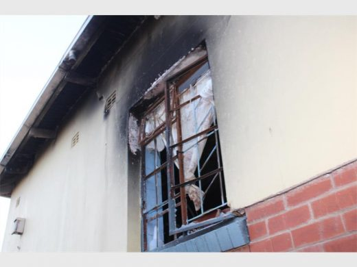 One of the windows of the building in which the girl was found. Photo: Bianca Pindral.