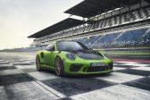 Porsche 911 GT3 RS is a lightweight fury