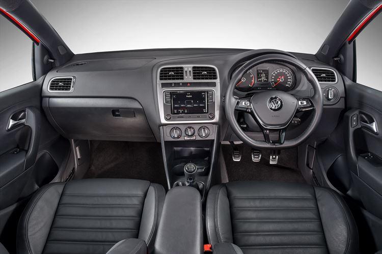 volkswagen-polo-vivo_-interior-001_880x500
