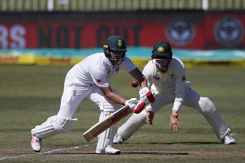 Giant AB de Villiers defends the poor Proteas