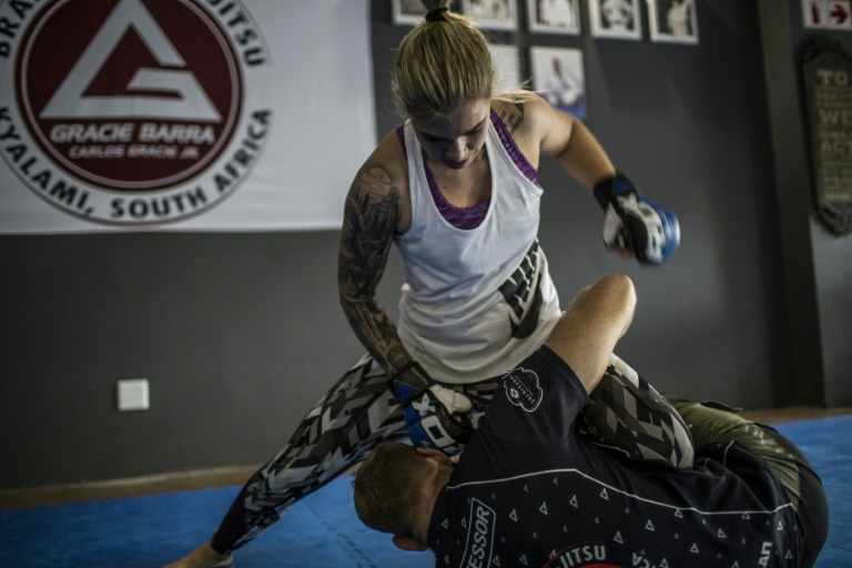 Shana Power sparring with EFC Champion Gareth Mclellan in the gym in Johannesburg