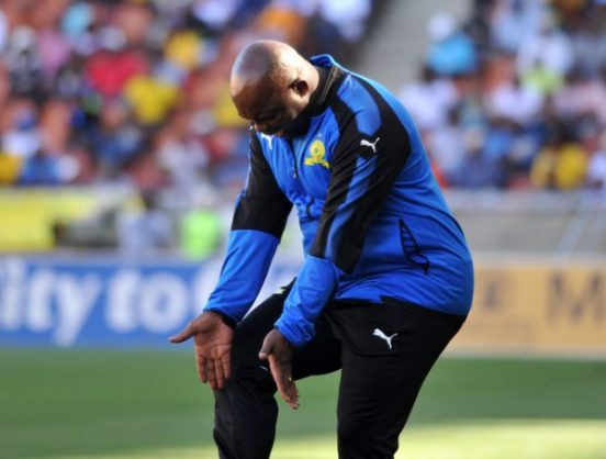 Head coach Pitso Mosimane of Mamelodi Sundowns reacts on the touchline (Aubrey Kgakatsi/BackpagePix)