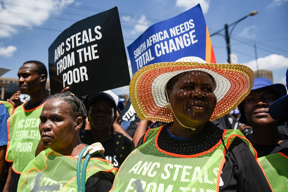 DA supporters are seen at Church Square during their march from Marabastad to the National Treasury against the 1% VAT increase on 6 March 2018. Picture: Jacques Nelles