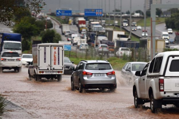 Traffic chaos and flooding in Meadowdale, Edenvale after heavy rains in the area over the last 24 hours, 23 March 2018.  Picture: Neil McCartney