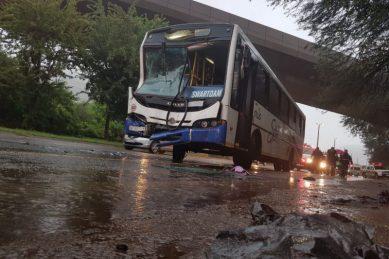 Buses collide in Tshwane, 33 injured