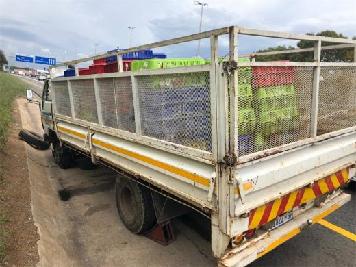 The truck that got a flat tyre while transporting 450 chickens.