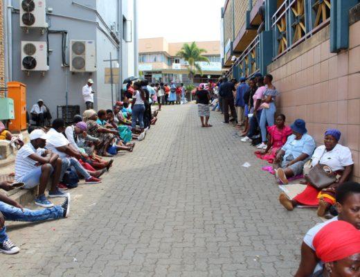 Long lines at Tzaneen Home Affairs on Wednesday, February 7. Photo ; Tintswalo Shipalana.