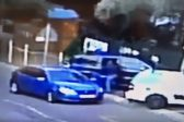 WATCH: Thieves take 40 seconds to steal handbag from car