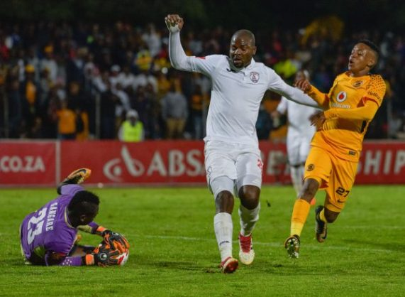 Rooi Mahamutsa and Ali Sangaré of Free State Stars and Hendrick Ekstein of Kaizer Chiefs during the Absa Premiership 2017/18 game between Free State Stars and Kaizer Chiefs. (Frikkie Kapp/BackpagePix)