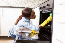 3 easy tips for cleaning an oven