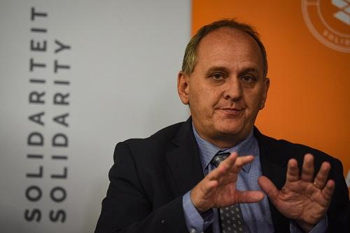 Solidarity slams government's 'irrational, irresponsible' health insurance plan