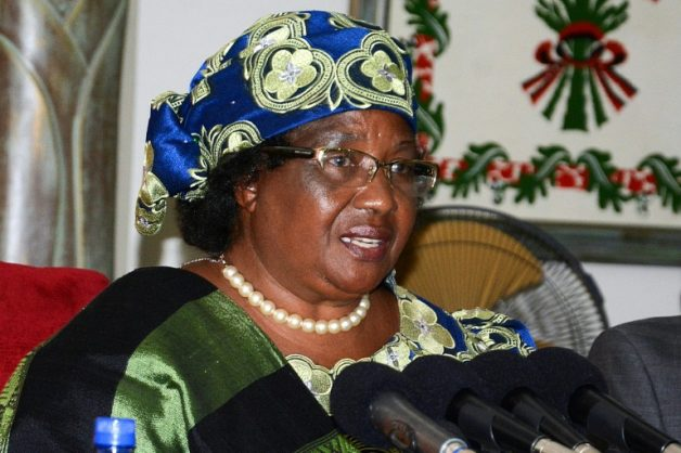 Malawi's ex-president Banda to return after four-year exile