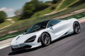 WATCH: McLaren 720S dashes to 304km/h with ease