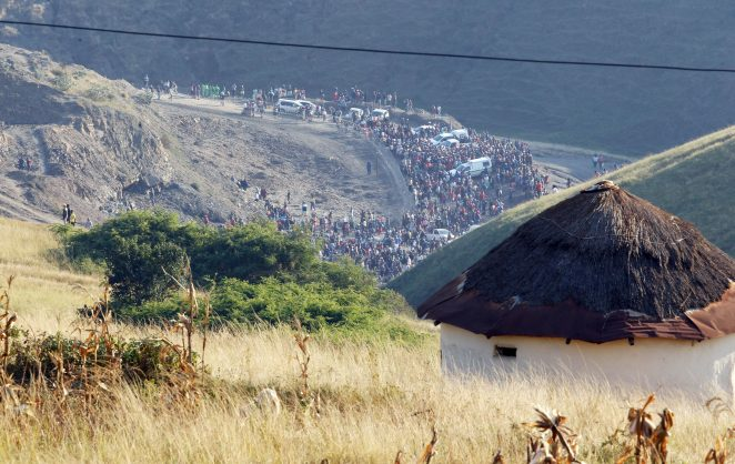 Thousands of people have descended on a site in Mbuthumeni village, outside the town of Harding in southern KwaZulu-Natal, to dig for 'gold' after road construction workers found yellow, glittering rocks in the area last week. Pictures: ANA