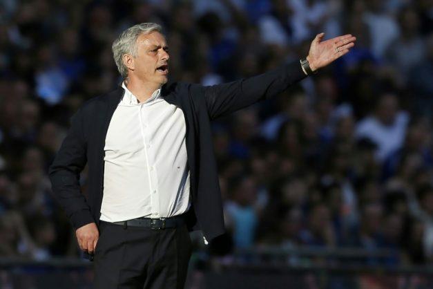 Mourinho's dark mood casts shadow over Manchester United