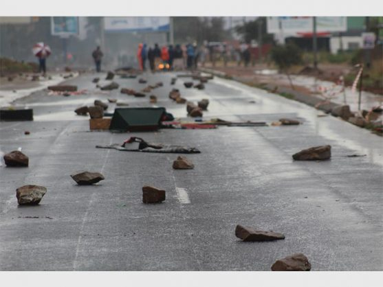 The main entrance to Mohlakeng, barricaded by protesters with all sorts of objects, 14 May 2018.