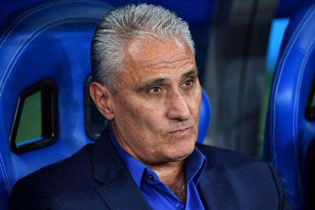 Brazil's coach Tite looks on during the Russia 2018 World Cup Group E football match between Brazil and Switzerland at the Rostov Arena in Rostov-On-Don on June 17, 2018. / AFP PHOTO / JOE KLAMAR / RESTRICTED TO EDITORIAL USE - NO MOBILE PUSH ALERTS/DOWNLOADS