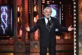 Robert De Niro gets ovation for swearing at Trump