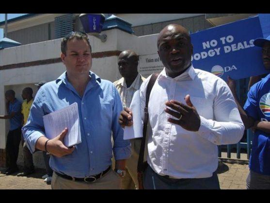 Kevin Mileham, left, and Tshwane mayor Solly Msimanga.