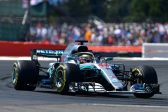 Lewis Hamilton closes in on title