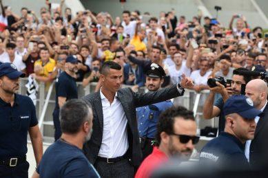 Ronaldo greets Juve fans, sparks Champions League dreams
