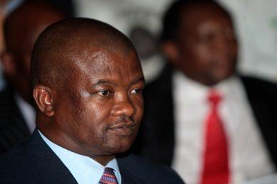 Lebashe considers R4m lawsuit against Holomisa