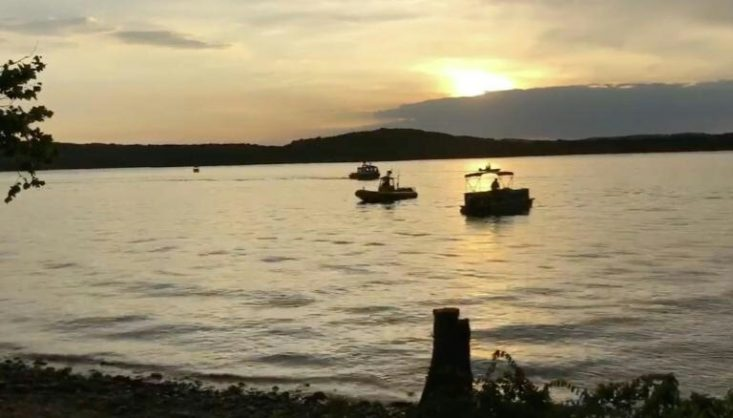 Crews working at the scene where a tourist boat capsized and sank on July 19, 2018 during an intense storm near Branson, Missouri Picture: AFP / Manila Bulletin.