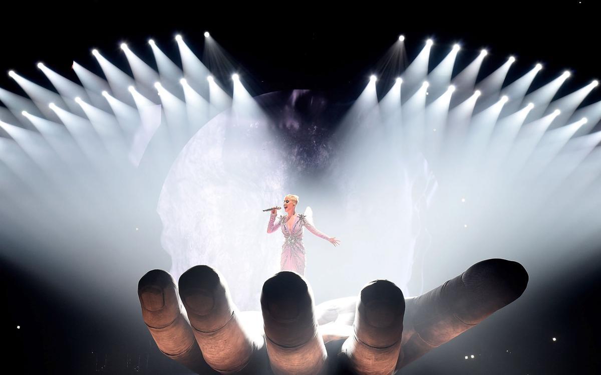 Be Mesmerised By Katy Perrys Witness The Tour Citizen Tiket Perry 2018 Performs During In Montreal Canada Picture Getty Images