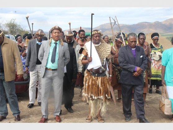 Bulelani Khumalo (the new Mzilikazi King in Zimbabwe), Mthayia II Khumalo (chief) and Ezrom Khumalo.