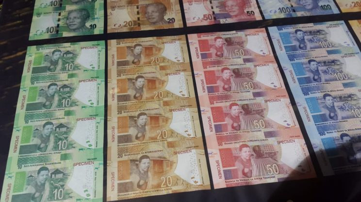 Commemorative Mandela banknotes, R50 coin launched by Reserve Bank