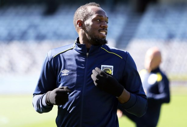 Thirty-one-year-old eight-time Olympic champion Usain Bolt trains for the first time for the A-League football club Central Coast Mariners in Gosford on August 21, 2018. / AFP PHOTO / PETER LORIMER /