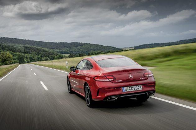 Mercedes-Benz C 400 4MATIC Coupé, designo hyazinthrot, metallic Leder magmagrau/schwarz.;Kraftstoffverbrauch kombiniert: 8,1-7,7 l/100 km; CO2-Emissionen kombiniert: 186-176 g/km*  Mercedes-Benz C 400 4MATIC Coupe, designo hyacinth red metallic, Leather magma grey/black.;Fuel consumption combined: 8.1-7.7 l/100 km; Combined CO2 emissions: 186-176 g/km*