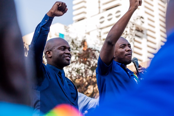 City of Tswane Mayor Solly Msimanga stands in confidence together with the DA leader Mmusi Maimane before vote of no vote of confidence motion. Picture: Cebisile Mbonani