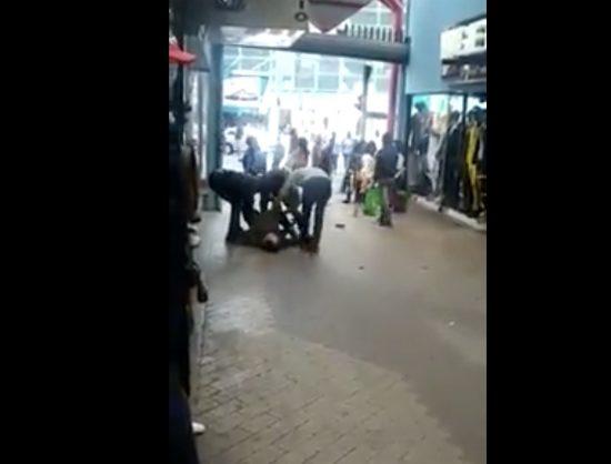 WATCH: Muggers choke, rob man in Joburg's Small Street centre