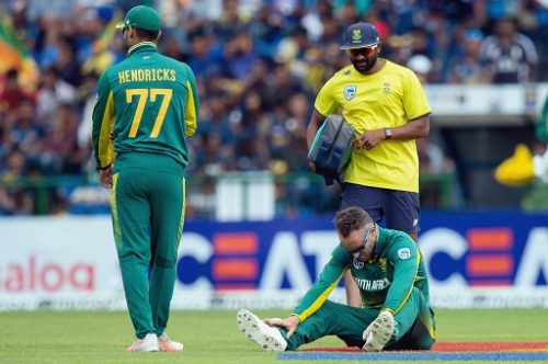 Faf du Plessis (seated) Captain of South Africa suffers with a shoulder injury after diving for a catch during the 3rd ODI between Sri Lanka and South Africa at Pallekele International Cricket Stadium on August 05, 2018 in Pallekele, Sri Lanka. (Photo by Sameera Peiris/Gallo Images)