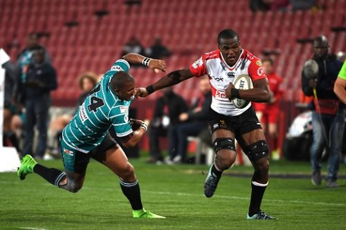 Hacjivah Dayimani of the Xerox Golden Lions beasts Ederies Arendse of the Tafel Lager Griquas during the Currie Cup match between Xerox Golden Lions XV and Tafel Lager Griquas at Emirates Airline Park on August 24, 2018 in Johannesburg, South Africa. (Photo by Lee Warren/Gallo Images)