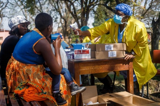 A nurse takes care of cholera patients during a visit of Zimbabwe Minister of Health, at the cholera treatment centre of the Beatrice Infectious Diseases Hospital, in Harare, on September 11, 2018. Picture: AFP PHOTO
